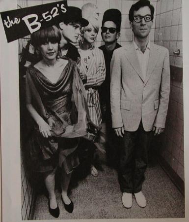 ファッションは50年代とか60年代のスタイル、頭はコーンヘッドだったり音楽はトンジャッテるし!