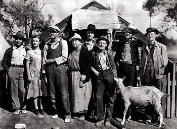 その後30年代になり、アメリカを大恐慌が襲い、時代のムードを反映してか、女性は丈の長い、落ちついたトーンの、保守的な服を着るようになりました。