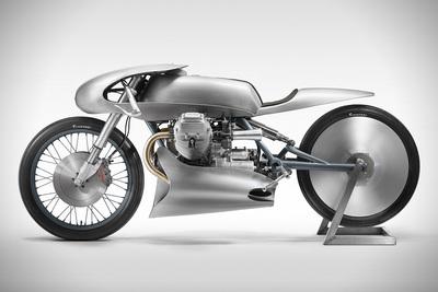 かっこいいバイク!