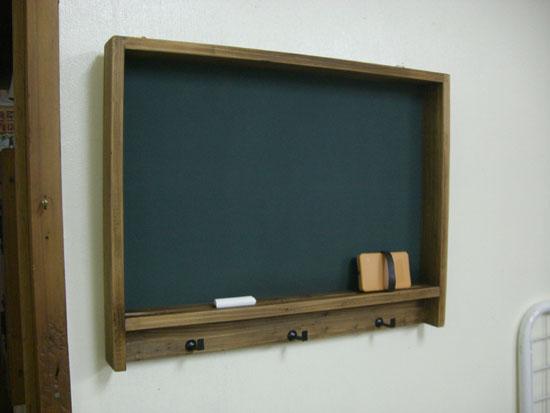 レトロな雰囲気の黒板。